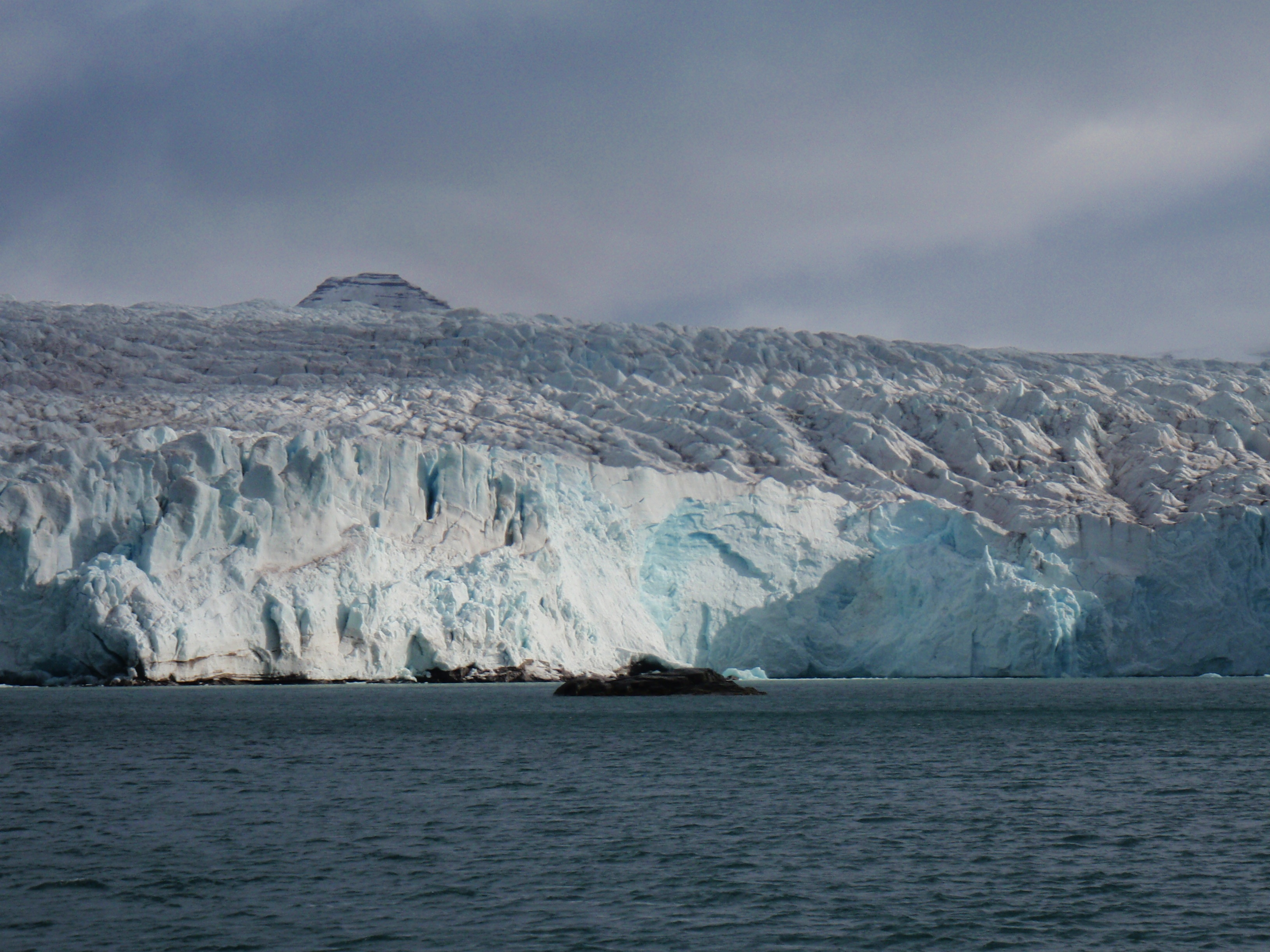 Photo credit: Erik Bonsdorff, The Nordenskiöld Glacier, West Greenland, August 2013.